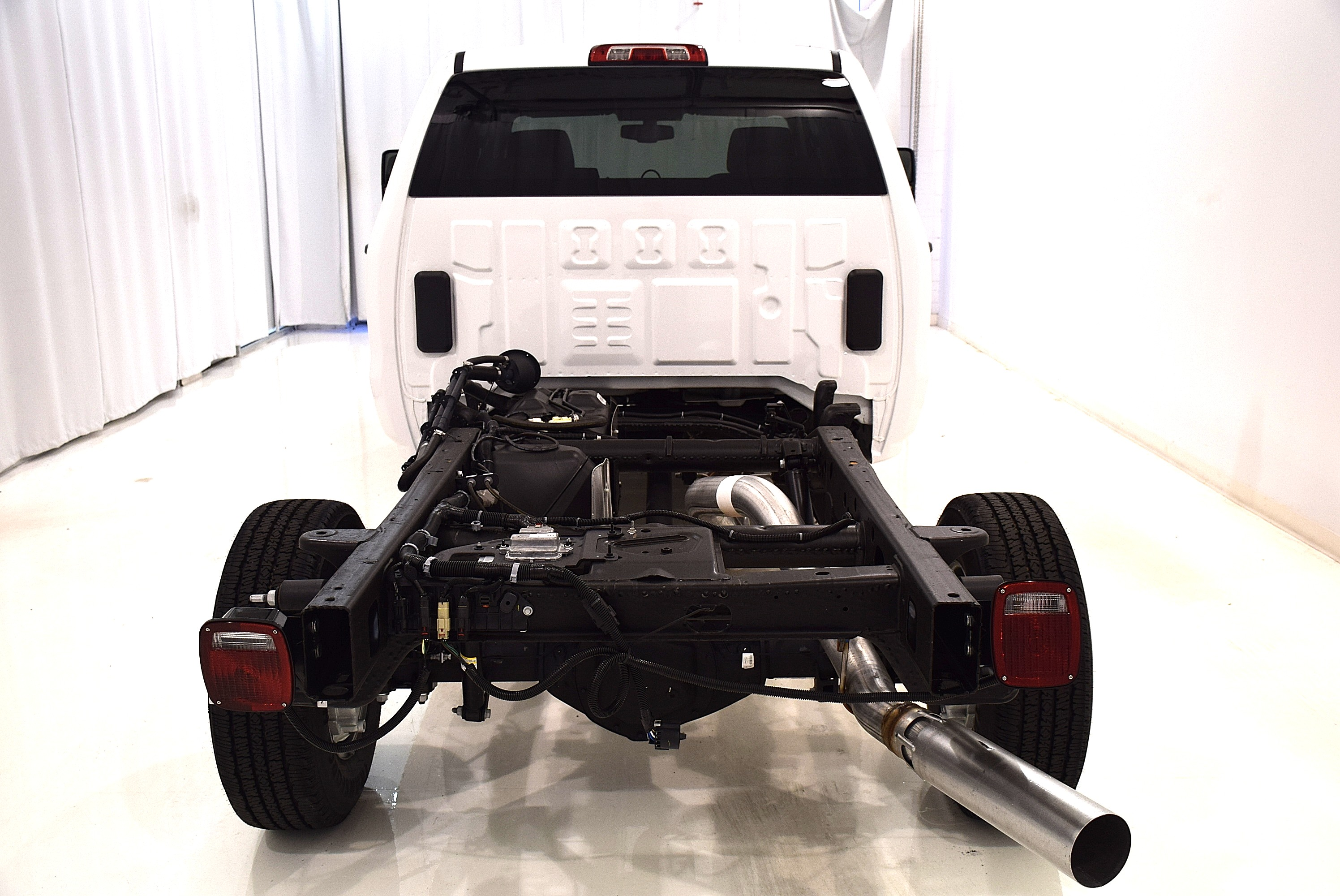 2016 Sierra 2500 Crew Cab, Cab Chassis #63694 - photo 8