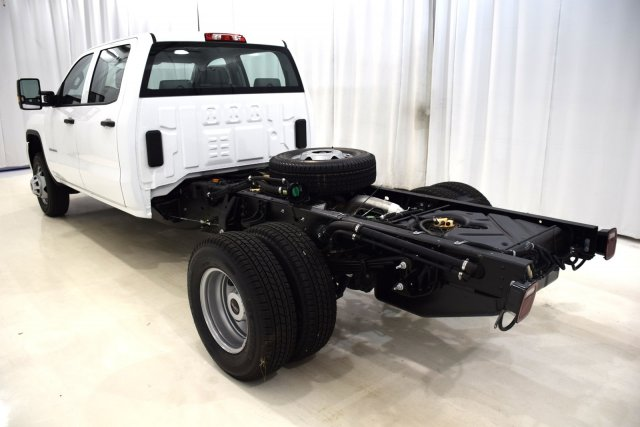 2017 Sierra 3500 Crew Cab 4x4, Cab Chassis #73548 - photo 8