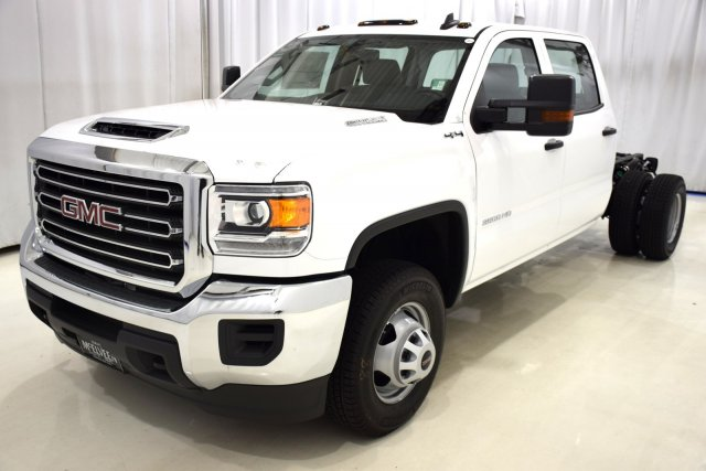 2017 Sierra 3500 Crew Cab 4x4, Cab Chassis #73548 - photo 5