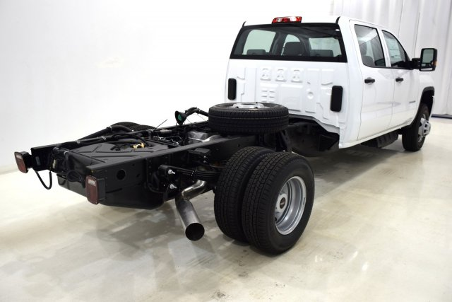 2017 Sierra 3500 Crew Cab 4x4, Cab Chassis #73548 - photo 2