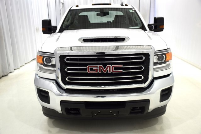 2017 Sierra 3500 Crew Cab 4x4, Cab Chassis #73558 - photo 6