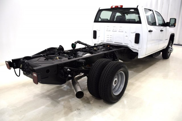 2017 Sierra 3500 Crew Cab 4x4, Cab Chassis #73558 - photo 2