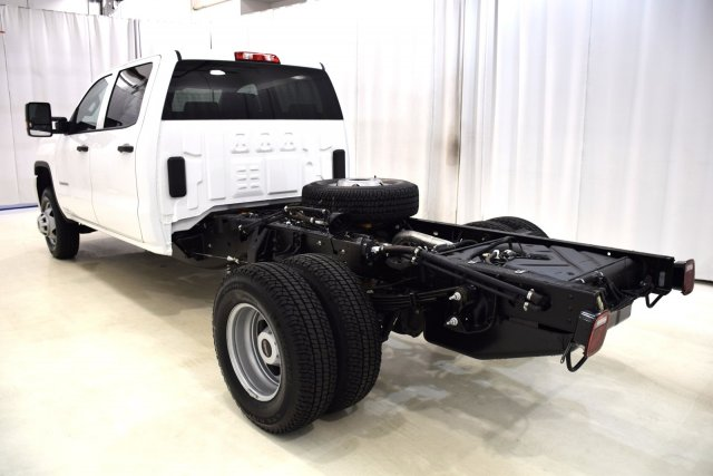 2017 Sierra 3500 Crew Cab, Cab Chassis #73694 - photo 8