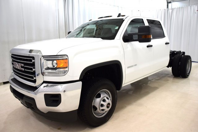 2017 Sierra 3500 Crew Cab, Cab Chassis #73694 - photo 5