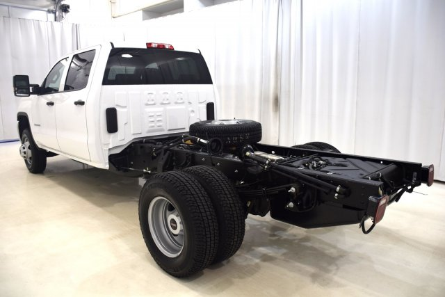 2017 Sierra 3500 Crew Cab, Cab Chassis #73701 - photo 8