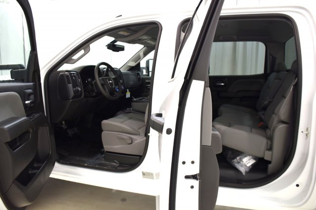 2017 Sierra 3500 Crew Cab, Cab Chassis #73701 - photo 4