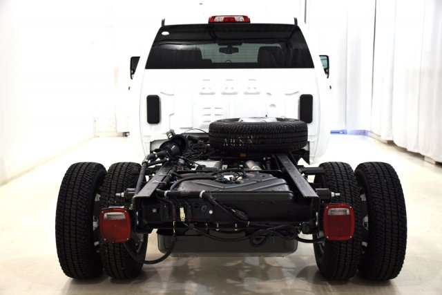 2017 Sierra 3500 Crew Cab, Cab Chassis #73701 - photo 7