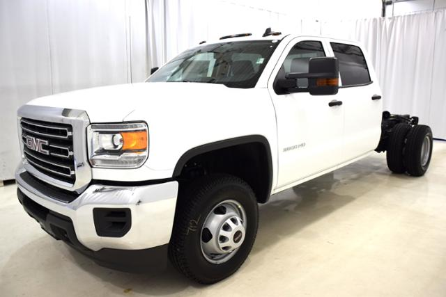 2017 Sierra 3500 Crew Cab DRW, Cab Chassis #73701 - photo 1
