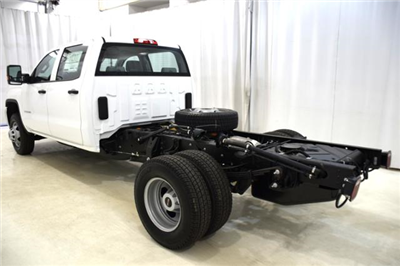 2018 Sierra 3500 Crew Cab DRW 4x4,  Cab Chassis #83462 - photo 8
