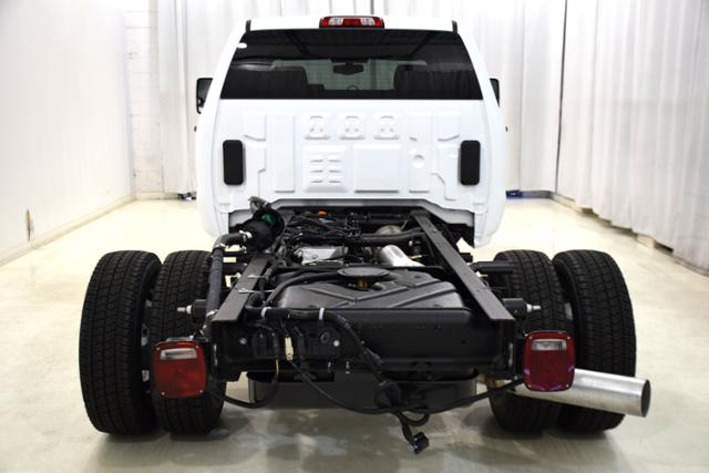 2018 Sierra 3500 Crew Cab DRW 4x4,  Cab Chassis #83639 - photo 7