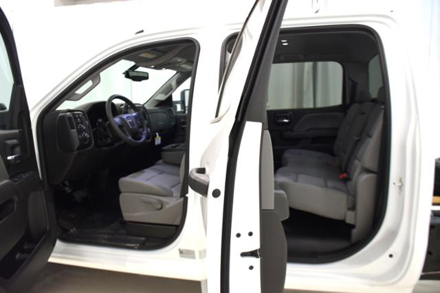 2018 Sierra 3500 Crew Cab DRW 4x4,  Cab Chassis #83737 - photo 4