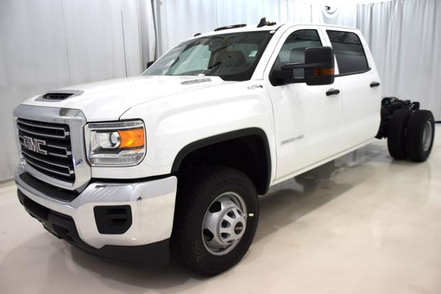 2018 Sierra 3500 Crew Cab DRW 4x4,  Cab Chassis #83737 - photo 5