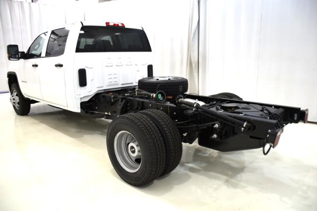 2018 Sierra 3500 Crew Cab DRW 4x4,  Cab Chassis #83737 - photo 8