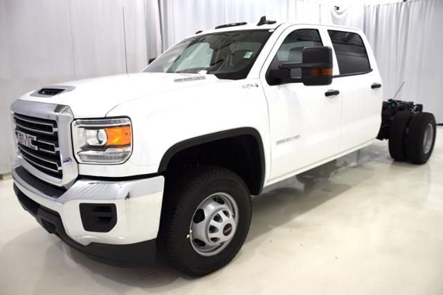 2018 Sierra 3500 Crew Cab DRW 4x4,  Cab Chassis #83741 - photo 5