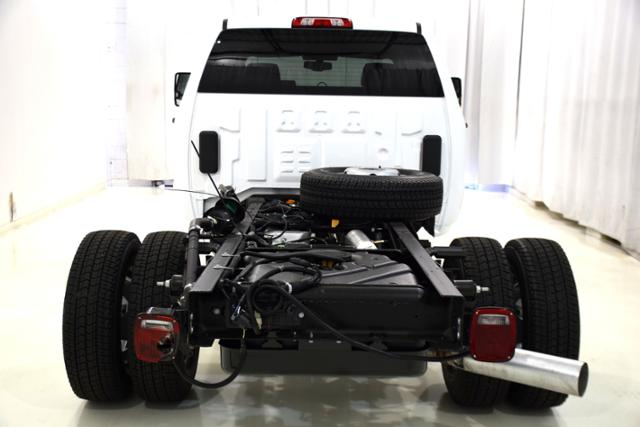 2018 Sierra 3500 Crew Cab DRW 4x4,  Cab Chassis #83741 - photo 7