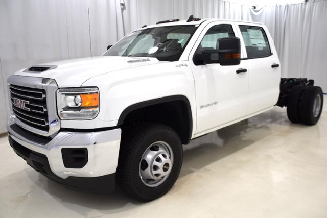 2018 Sierra 3500 Crew Cab DRW 4x4,  Cab Chassis #83849 - photo 5