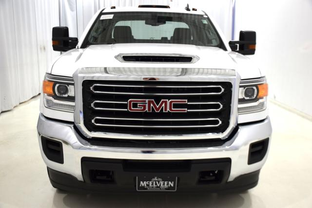 2018 Sierra 3500 Crew Cab DRW 4x4,  Cab Chassis #83866 - photo 6