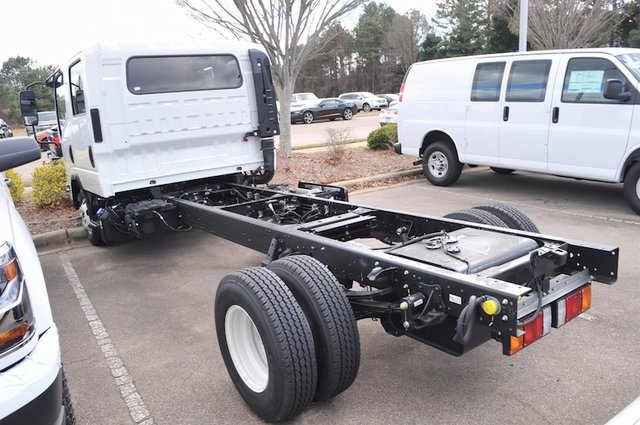 2017 Low Cab Forward Crew Cab, Cab Chassis #7600 - photo 4