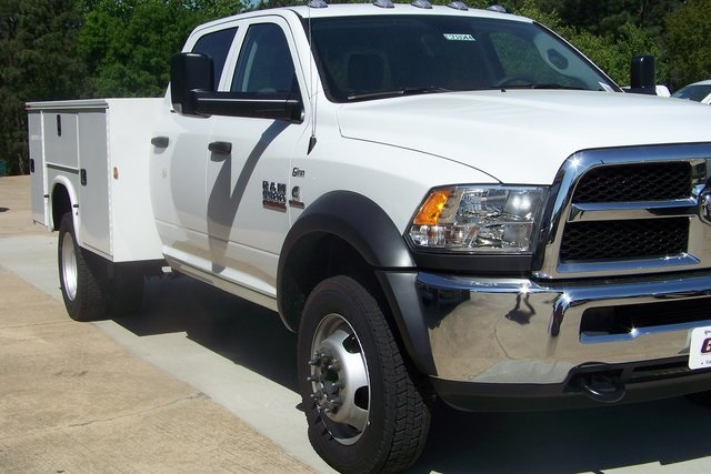 2018 Ram 5500 Crew Cab DRW 4x4,  Knapheide Service Body #DZ8044 - photo 5