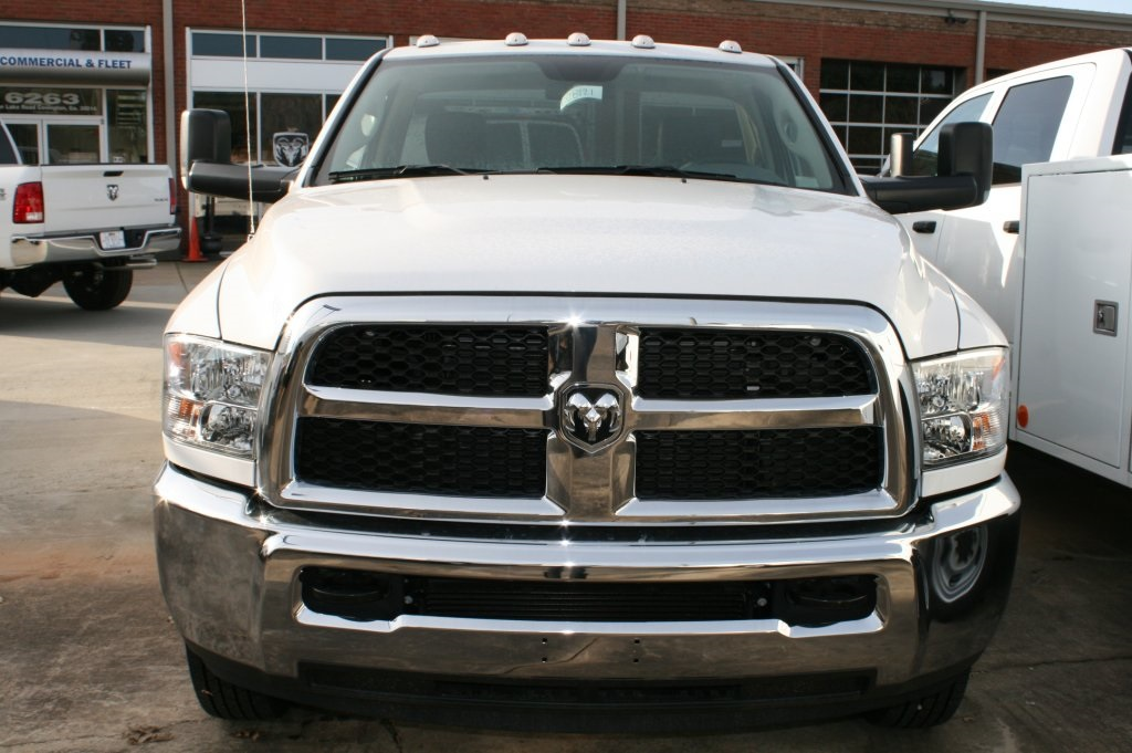 2018 Ram 3500 Regular Cab DRW 4x4,  Warner Service Body #DZ8121 - photo 2