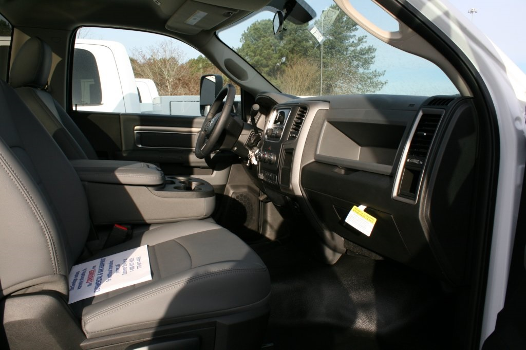 2018 Ram 3500 Regular Cab DRW 4x4,  Warner Service Body #DZ8121 - photo 6