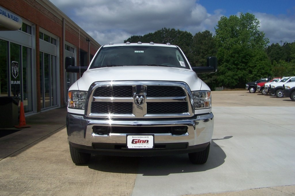 2018 Ram 3500 Regular Cab DRW 4x2,  Warner Service Body #DZ8128 - photo 4