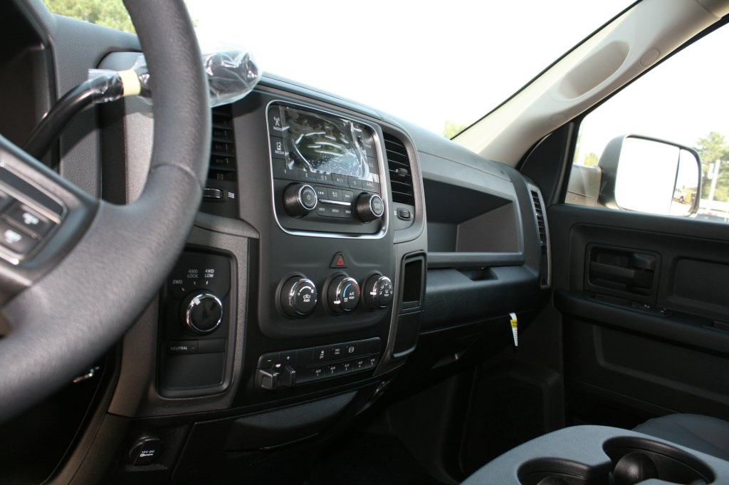 2018 Ram 3500 Crew Cab DRW 4x2,  Warner Service Body #DZ8165 - photo 10