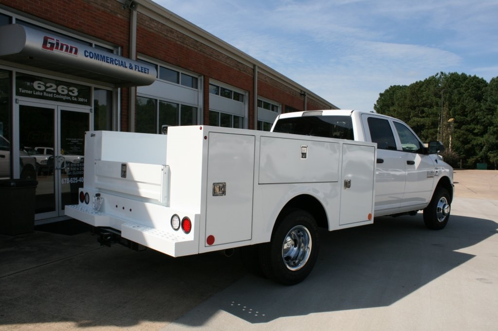2018 Ram 3500 Crew Cab DRW 4x2,  Warner Service Body #DZ8165 - photo 2