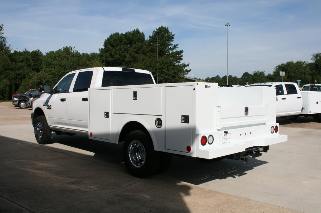 2018 Ram 3500 Crew Cab DRW 4x2,  Warner Service Body #DZ8184 - photo 4