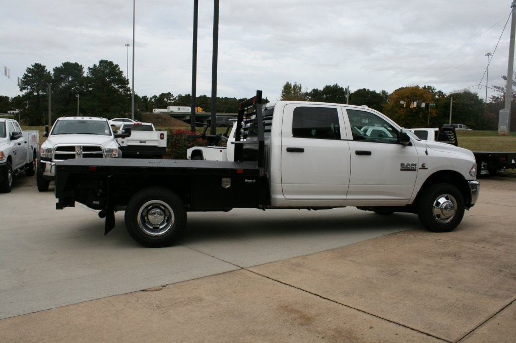 2018 Ram 3500 Crew Cab DRW 4x4,  Platform Body #DZ8215 - photo 3