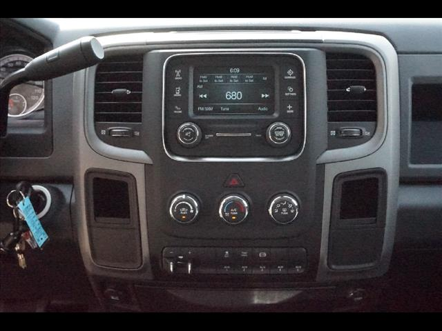 2016 Ram 3500 Crew Cab DRW, Service Body #JZ6624 - photo 12
