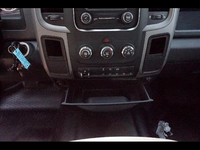 2016 Ram 3500 Crew Cab DRW, Service Body #JZ6624 - photo 13