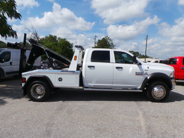 2016 Ram 5500 Crew Cab DRW, Wrecker Body #JZ6785 - photo 24