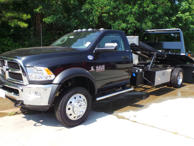 2016 Ram 5500 Regular Cab DRW, Rollback Body #JZ6951 - photo 6