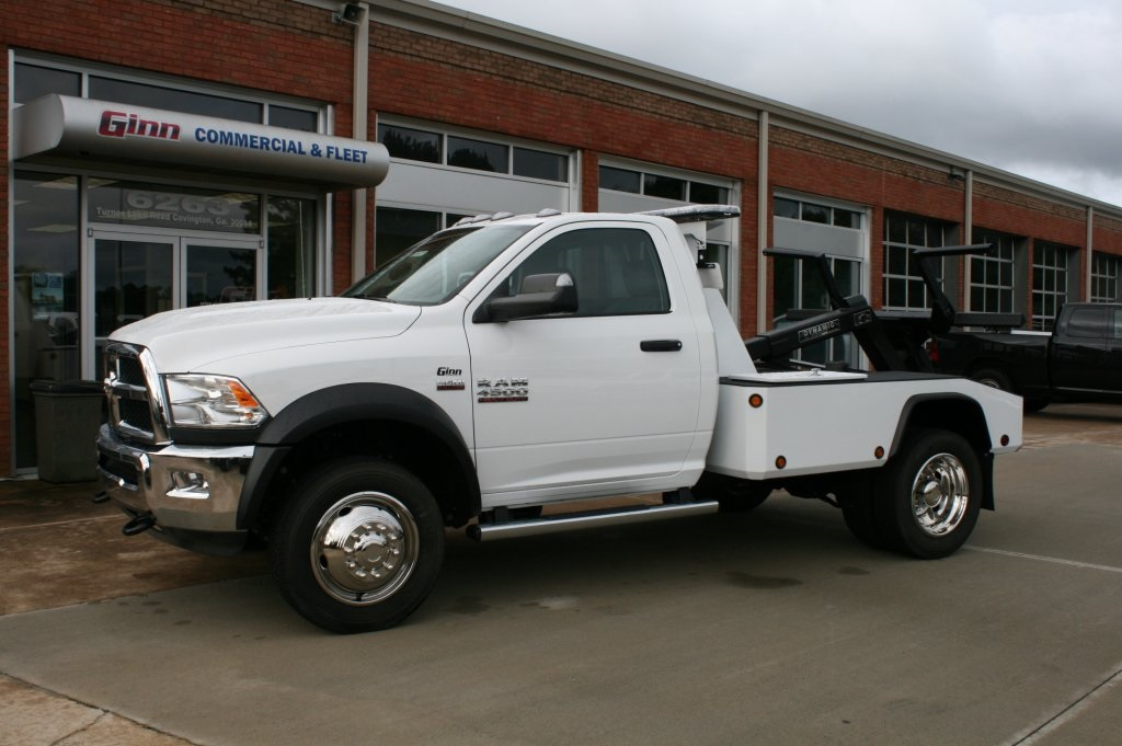 2017 Ram 4500 Regular Cab DRW 4x2,  Wrecker Body #JZ8679 - photo 3