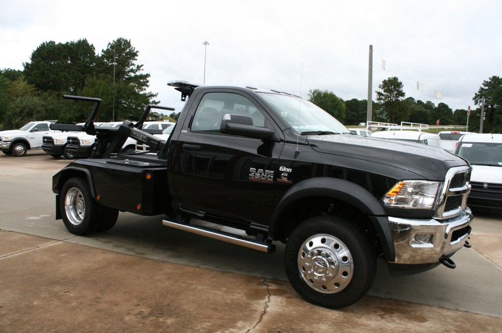 2017 Ram 4500 Regular Cab DRW 4x2,  Wrecker Body #JZ8743 - photo 5