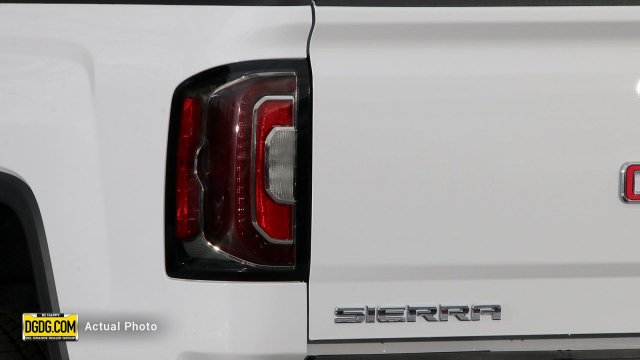 2018 Sierra 1500 Crew Cab 4x4,  Pickup #B10246T - photo 11