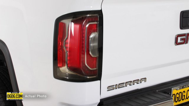 2018 Sierra 1500 Crew Cab 4x4, Pickup #B8291T - photo 9