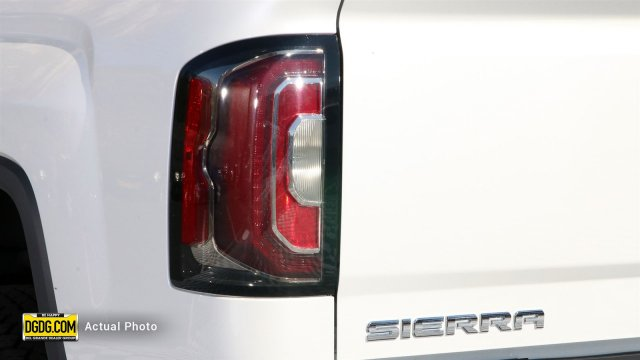 2018 Sierra 1500 Crew Cab 4x4,  Pickup #B8984 - photo 8
