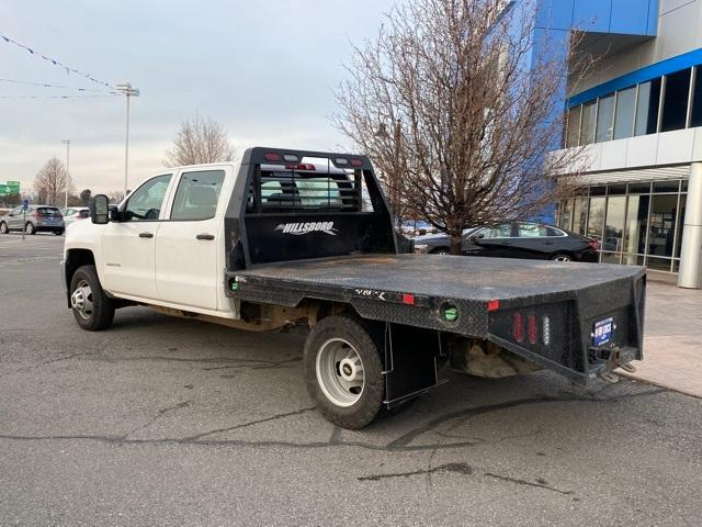 2019 Chevrolet Silverado 3500 Crew Cab DRW 4x4, Platform Body #P84620F - photo 1