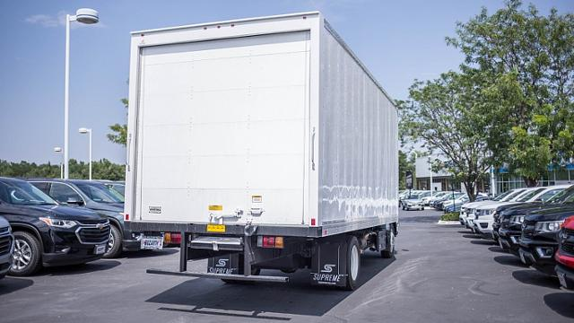 2018 LCF 5500HD Regular Cab,  Supreme Dry Freight #18T1239 - photo 4