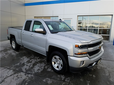 2017 Silverado 1500 Double Cab 4x4, Pickup #CHH670 - photo 3