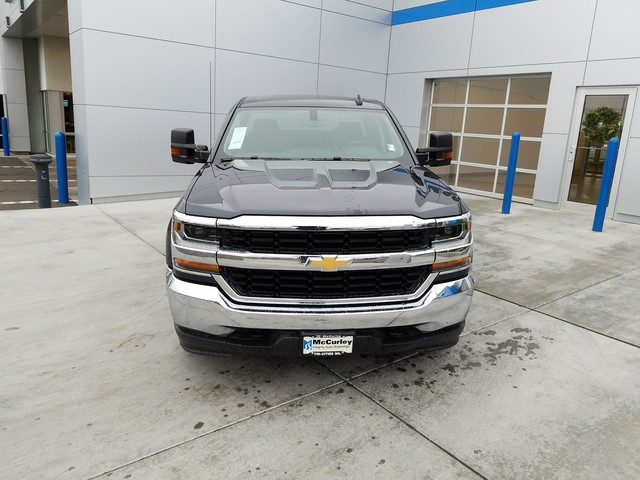 2017 Silverado 1500 Double Cab 4x4, Pickup #CHH819 - photo 4