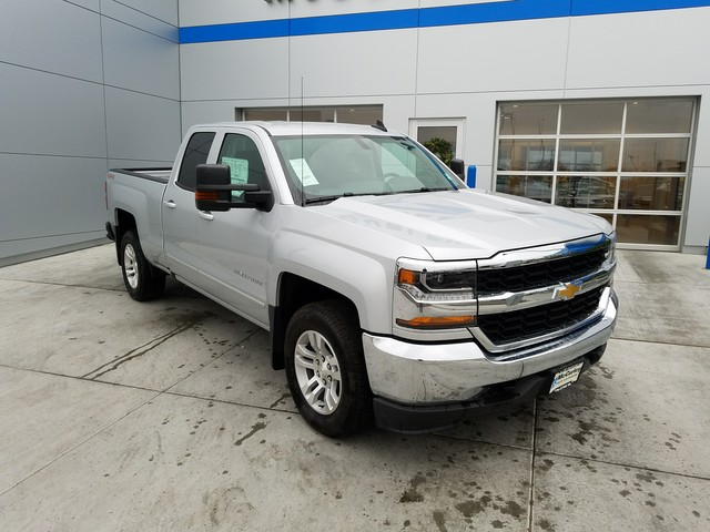 2017 Silverado 1500 Double Cab 4x4, Pickup #CHH824 - photo 4