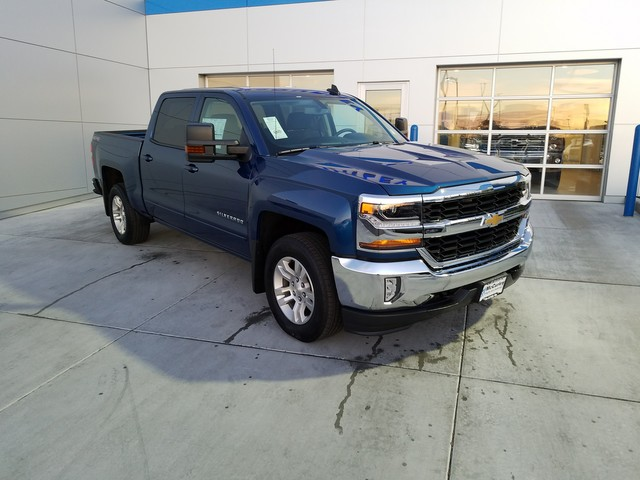 2017 Silverado 1500 Crew Cab 4x4, Pickup #CHH893 - photo 2