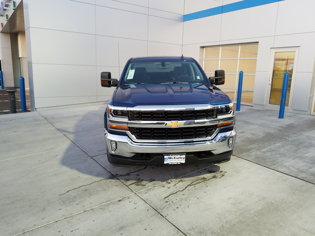 2017 Silverado 1500 Crew Cab 4x4, Pickup #CHH893 - photo 3