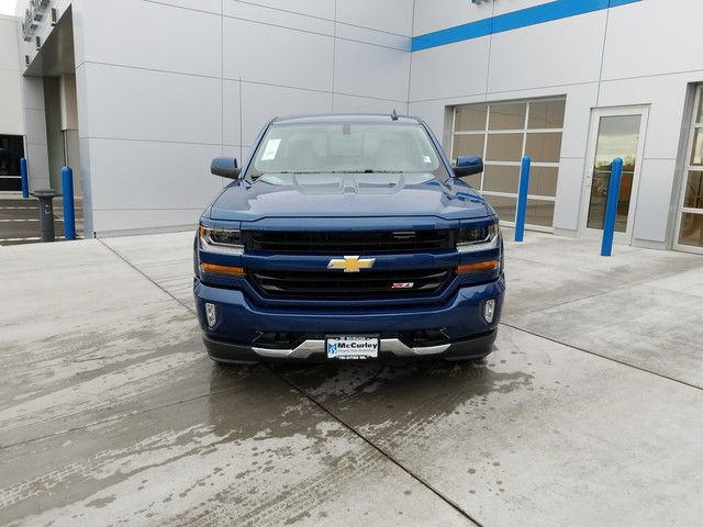 2018 Silverado 1500 Crew Cab 4x4, Pickup #CHJ188 - photo 4