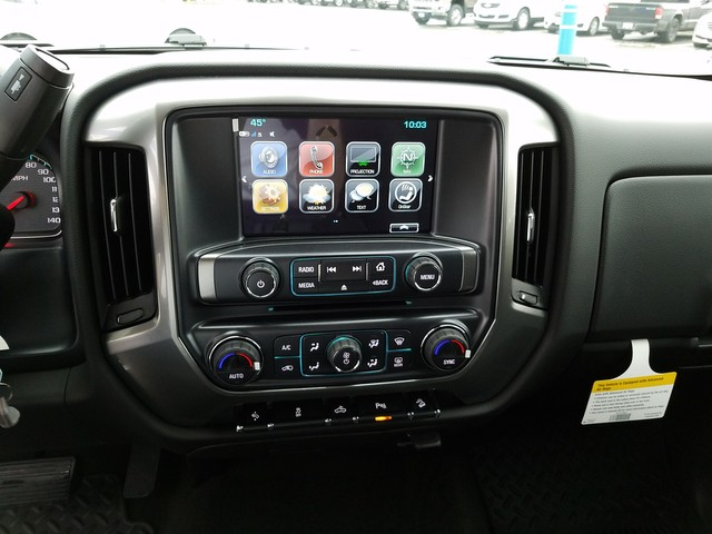 2018 Silverado 1500 Crew Cab 4x4, Pickup #CHJ189 - photo 10
