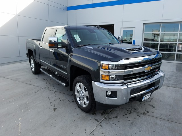2018 Silverado 2500 Crew Cab 4x4, Pickup #CHJ420 - photo 2