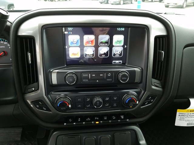 2018 Silverado 2500 Crew Cab 4x4, Pickup #CHJ459 - photo 10